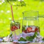 Więcej wody w diecie? 8 sposobów na jej przemycenie