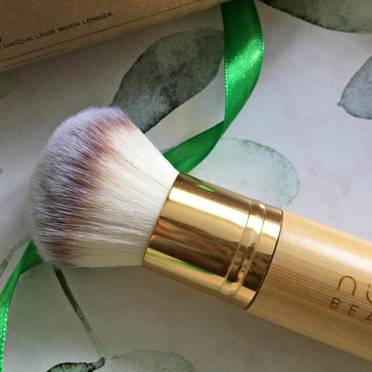 annemarie nunu beauty bamboo powder kabuki brush