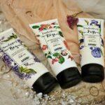 Odżywki do włosów Anwen: nawilżający bez oraz emolientowy irys i róża