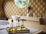 Czym jest OCM? Wszystko o oczyszczaniu olejami, przepisy na mieszanki i przegląd 50 gotowych produktów